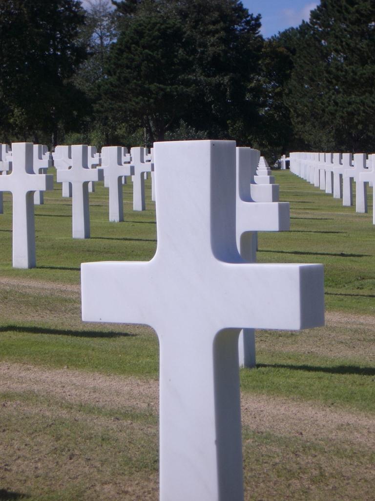 Normandy Cemetary 3.jpg